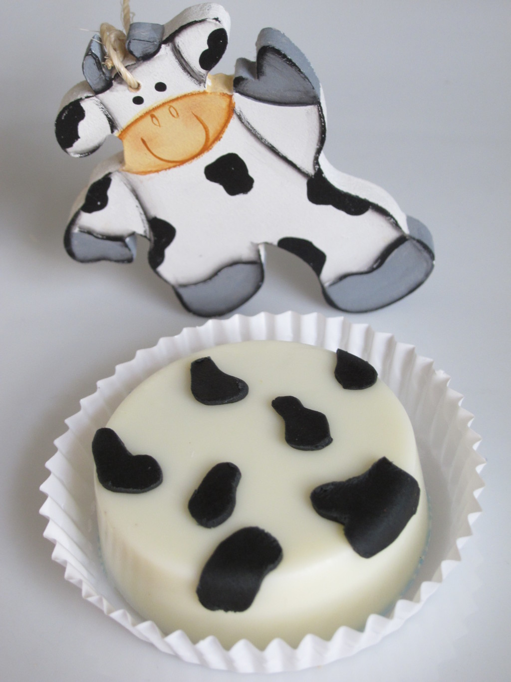 Cow Print Chocolate Covered Oreos
