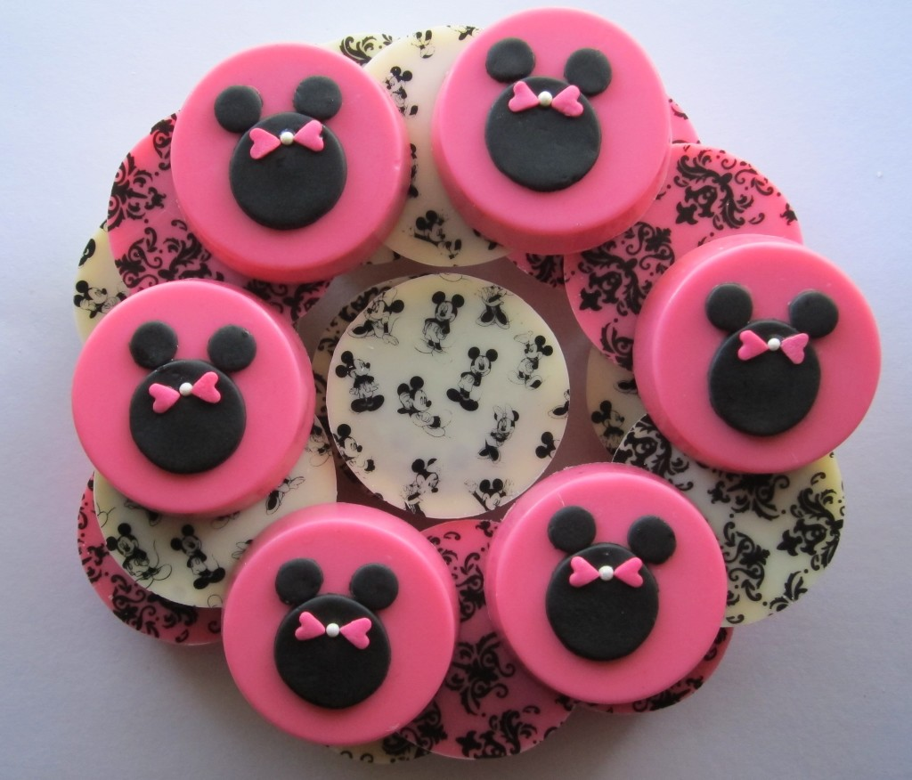 Mickey & Minnie Mouse Chocolate Covered Oreos