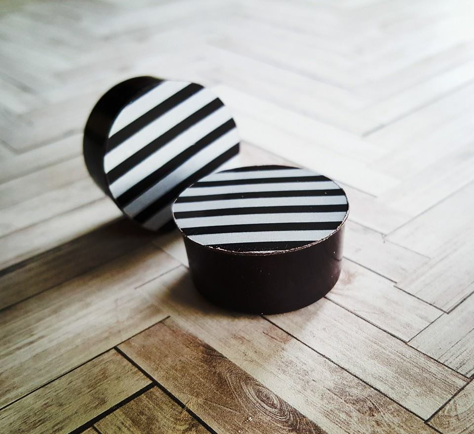 White Striped Black Oreo Minis